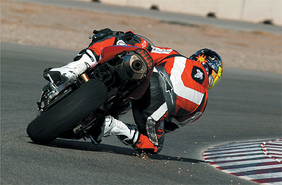 how to make sharp turns on motorcycles